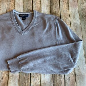 Brooks Brothers men's v-neck pima cotton sweater